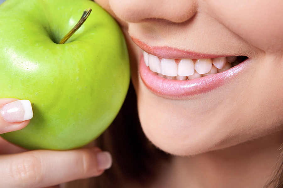 Foods that Help Whiten Your Teeth Naturally
