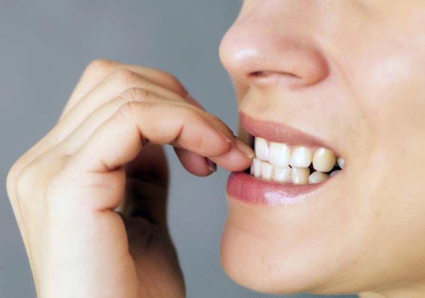 Habits that damage the teeth