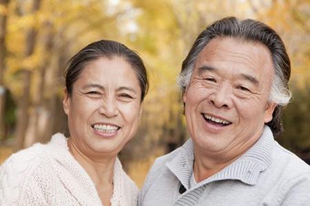 whiten dentures