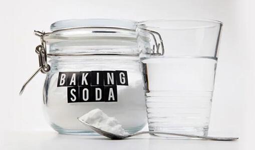 brushing with baking soda safe or not?